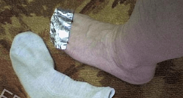 scientist-explains-what-will-happen-if-you-wrap-your-feet-with-aluminum-foil1-600x400