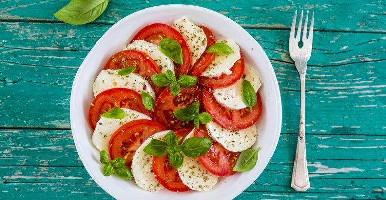Recepty na lehká letní jídla? Zkuste třeba salát Caprese